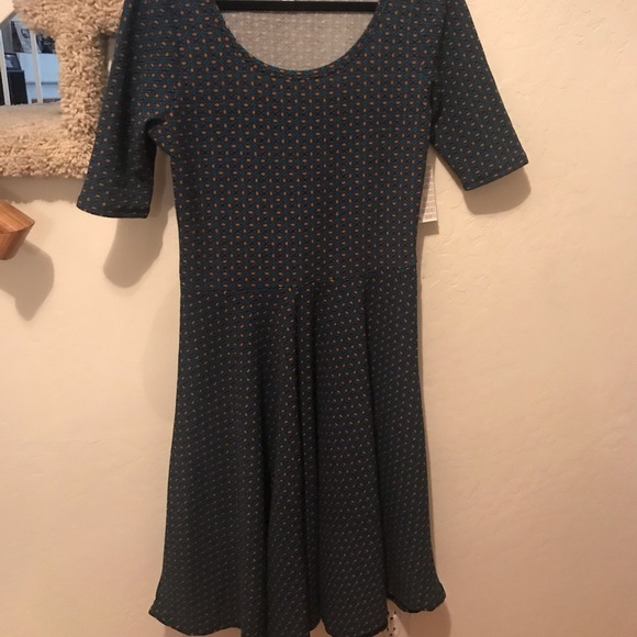 LuLaRoe Dresses & Skirts - Large Lularoe Nicole